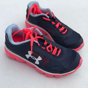 Under Armour Assert sneakers size 3.5Y NWB